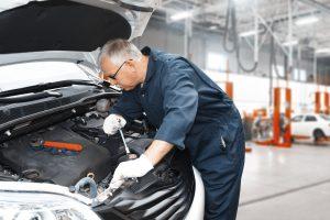 Auto mechanic interior